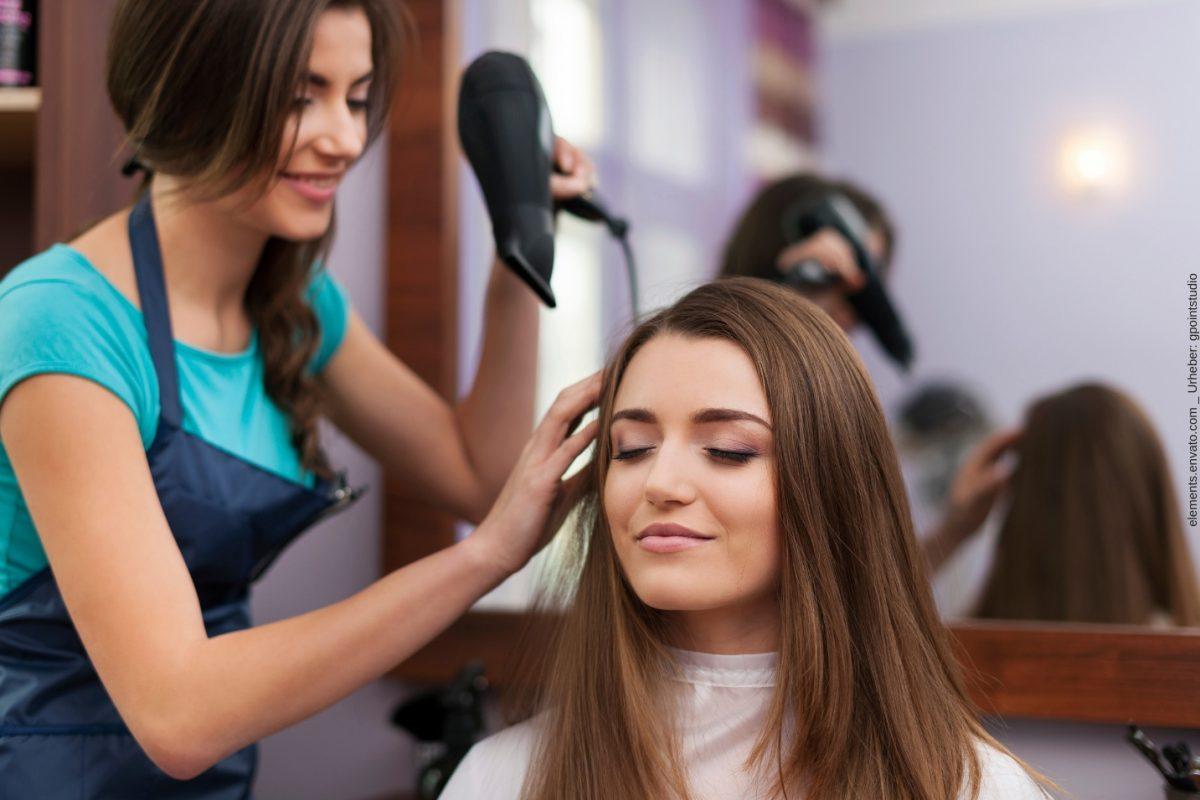 Mit einem Calligraphy Cut Berlin einem besonderen Haarschnitt-Trend folgen